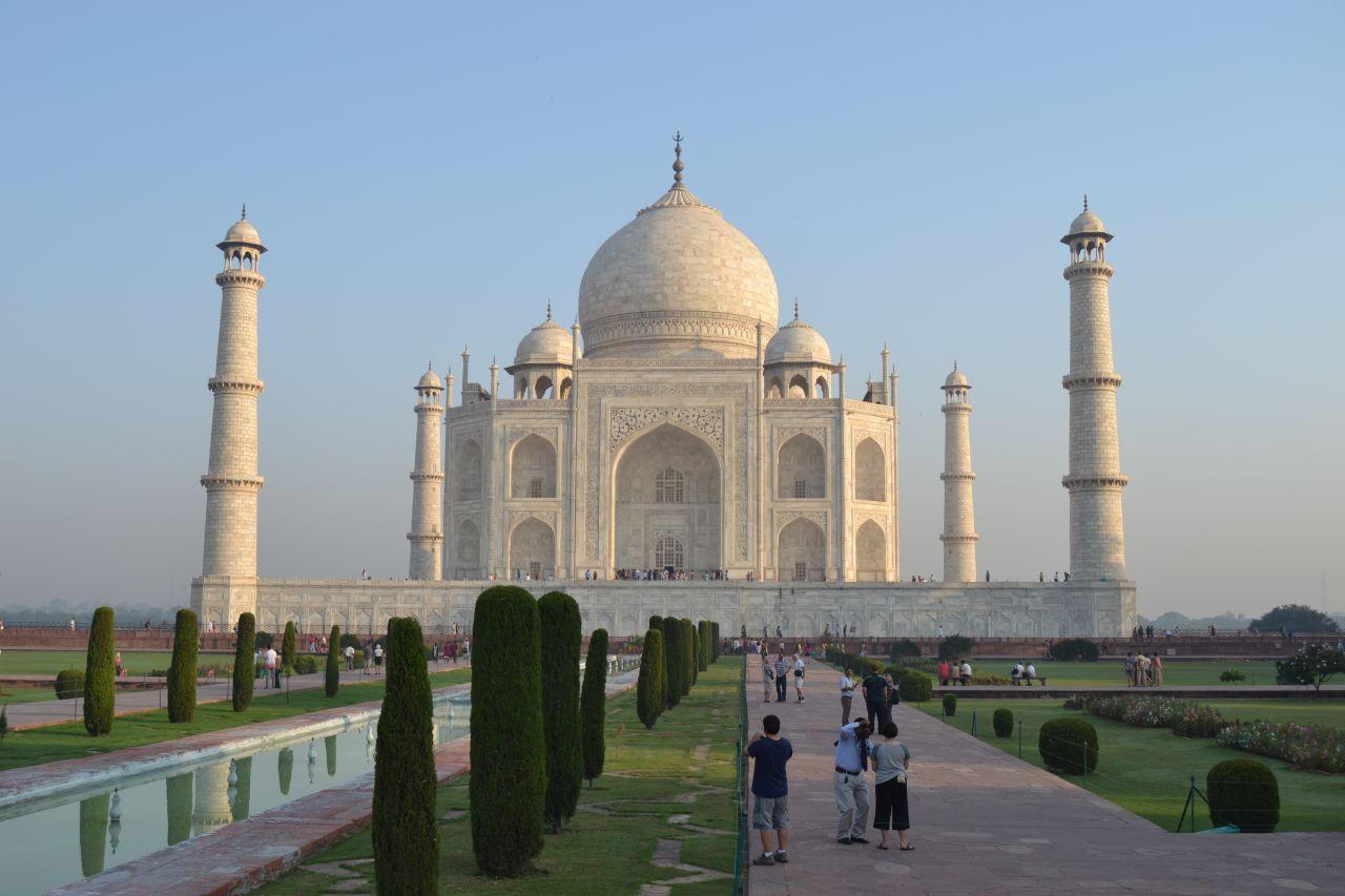 http://2livethedream.com/wp-content/uploads/2012/10/Taj_mahal.jpg