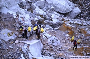 Each worker carries 90 kilograms of sulphur